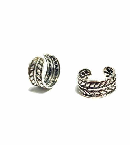 jewelry, junior,fashion jewelry, trendy jewelry, no piercings ear jewelry, Celtic ear cuff, sterling ear cuff, silver cuff, accessories for teens, 2016 accessories, jewelry for girls, trending jewelry, chic ear cuff, Chic Jewelry, fresh trends, custom jewelry, cosplay jewelry, Ear Cuff, Fake Ear Cuff, Cartilage Earring, Faux Ear Cuff, Five hoops Ear Cuff, Conch Piercing Looks, Cartilage Fake Piercing, Silver Ear Cuff, Auricle earring, cosplay earring, custom earring, custom, cosplay, auricle, keloid, oxidized ear cuff,